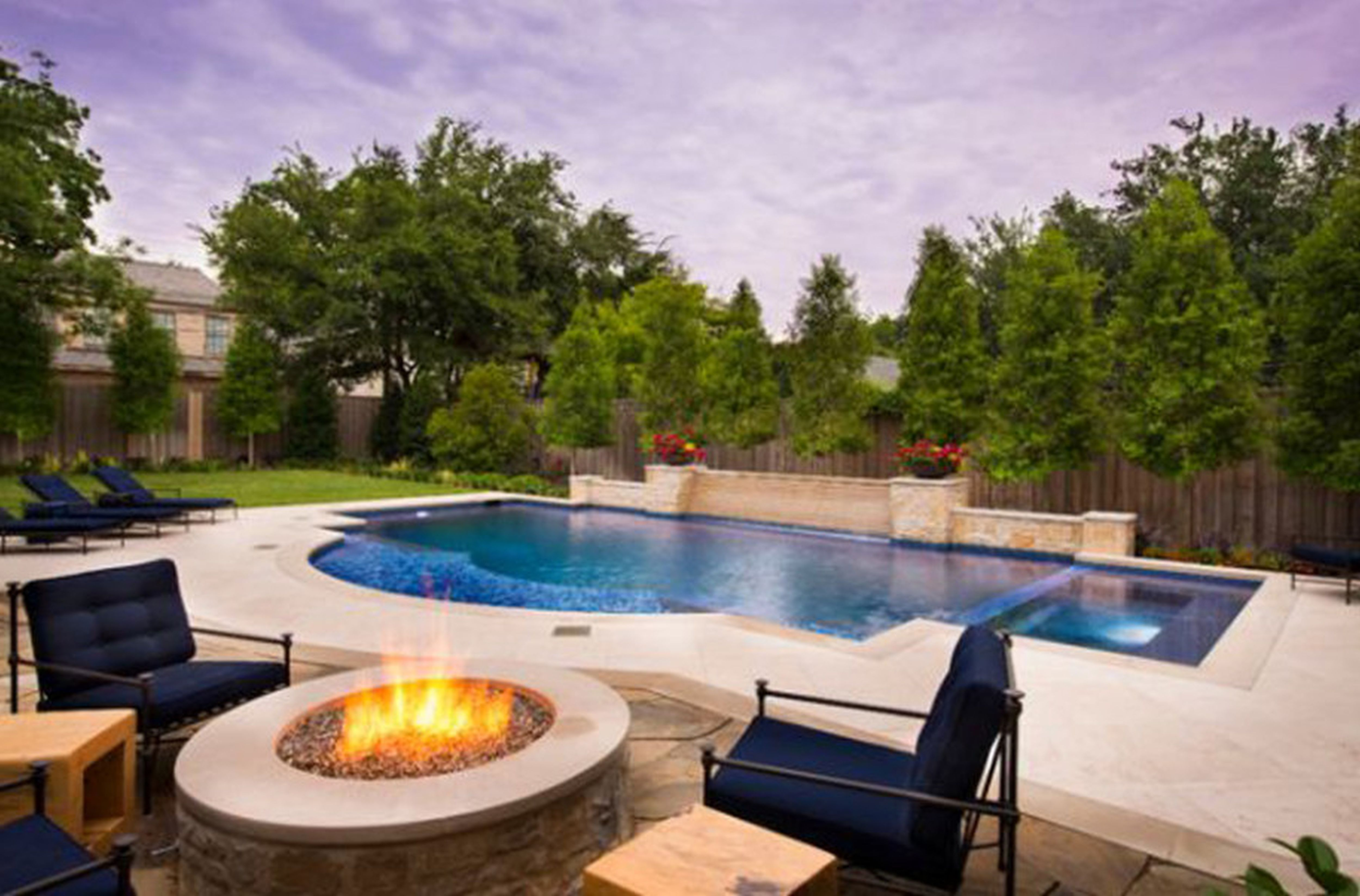Backyard Pool Designs For Small Yards Poolideas Backyard Pool Swimming Pools Backyard Small Backyard Pools