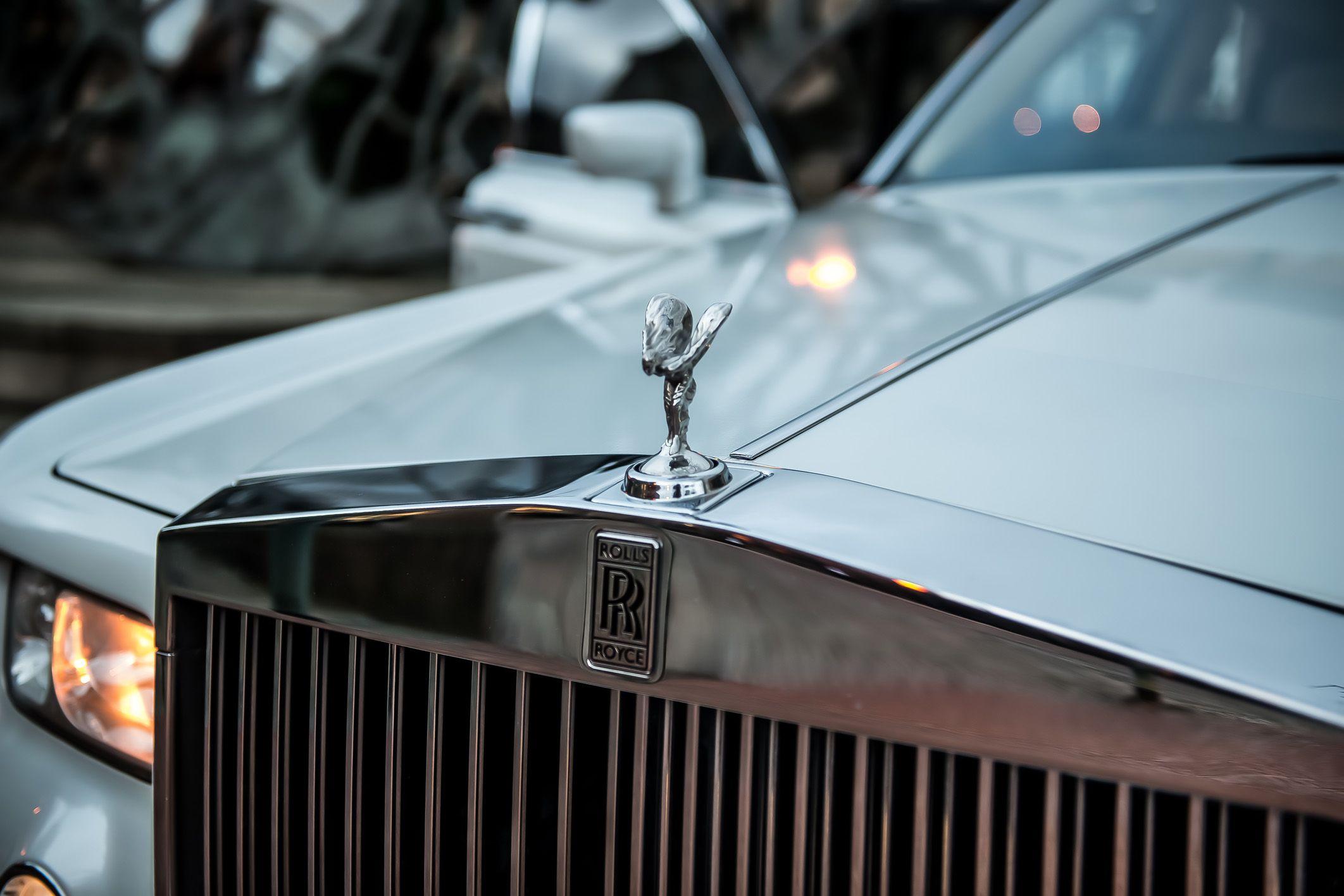 Platinum Rolls Royce Phantom Hire Wakefield Wedding Car