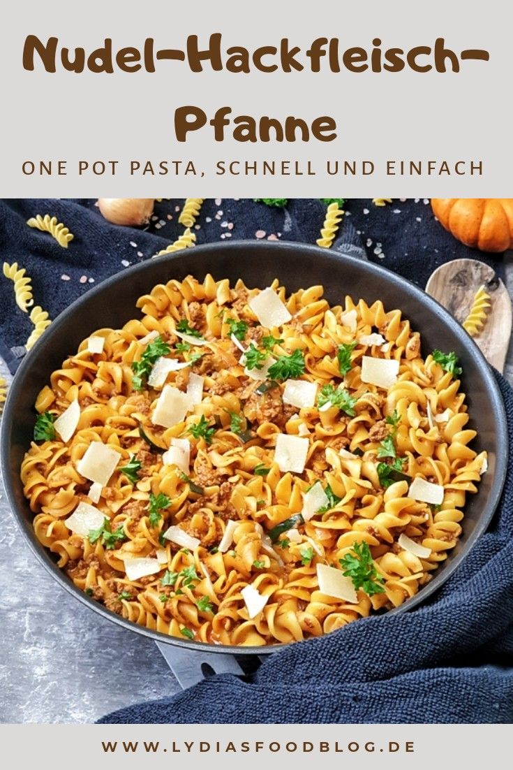 Nudel-Hackfleisch-Pfanne mit Zucchini  #zucchinipastarecipes