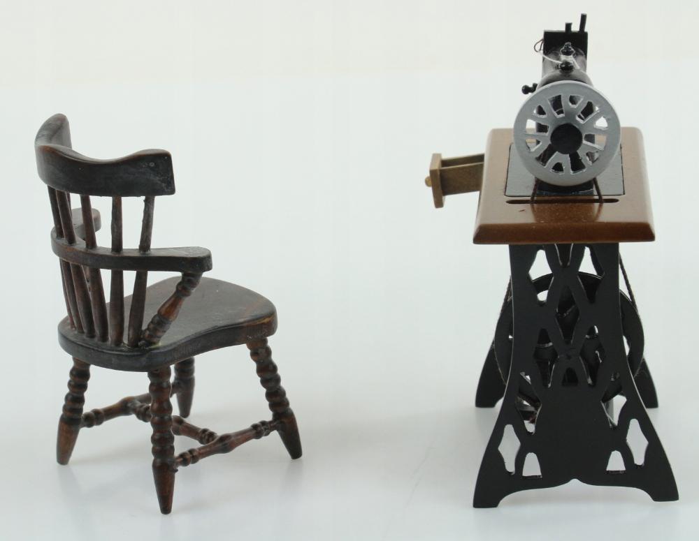 Pchli Targ Miniaturka Maszyna Do Szycia 8755279427 Oficjalne Archiwum Allegro Home Decor Decor Furniture