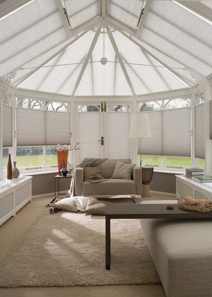 These Luxaflex® blinds are a great choice for climate control and - cortinas para terrazas