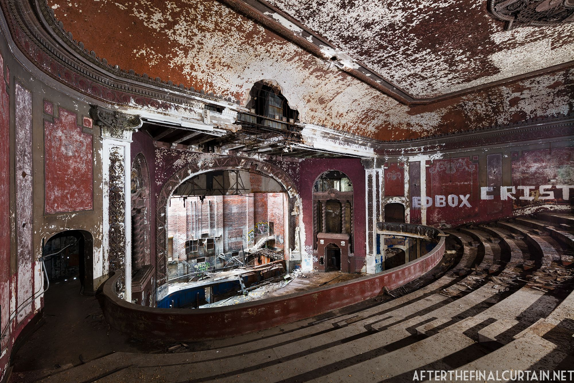 The Majestic Theatre In East St Louis Il Abandoned For Almost 60