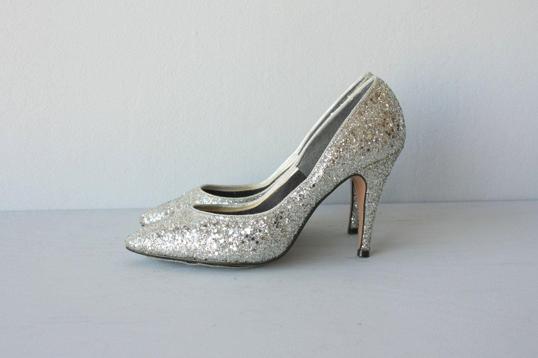 0d2d7c88a1e vintage silver metallic heels   silver pumps   1980s glitter heels - size 6
