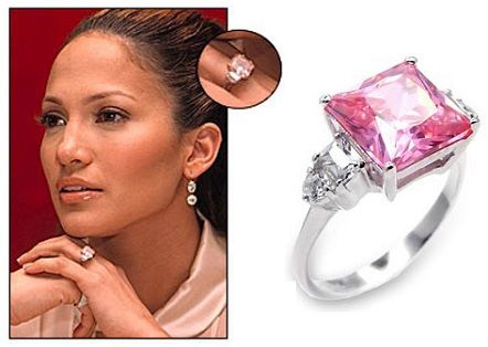 Jennifer Lopez Was Gifted A 6 1 Carat Pink Diamond Ring By Her Then Husband Ben Affleck The Looked Extremely Elegant On Hands