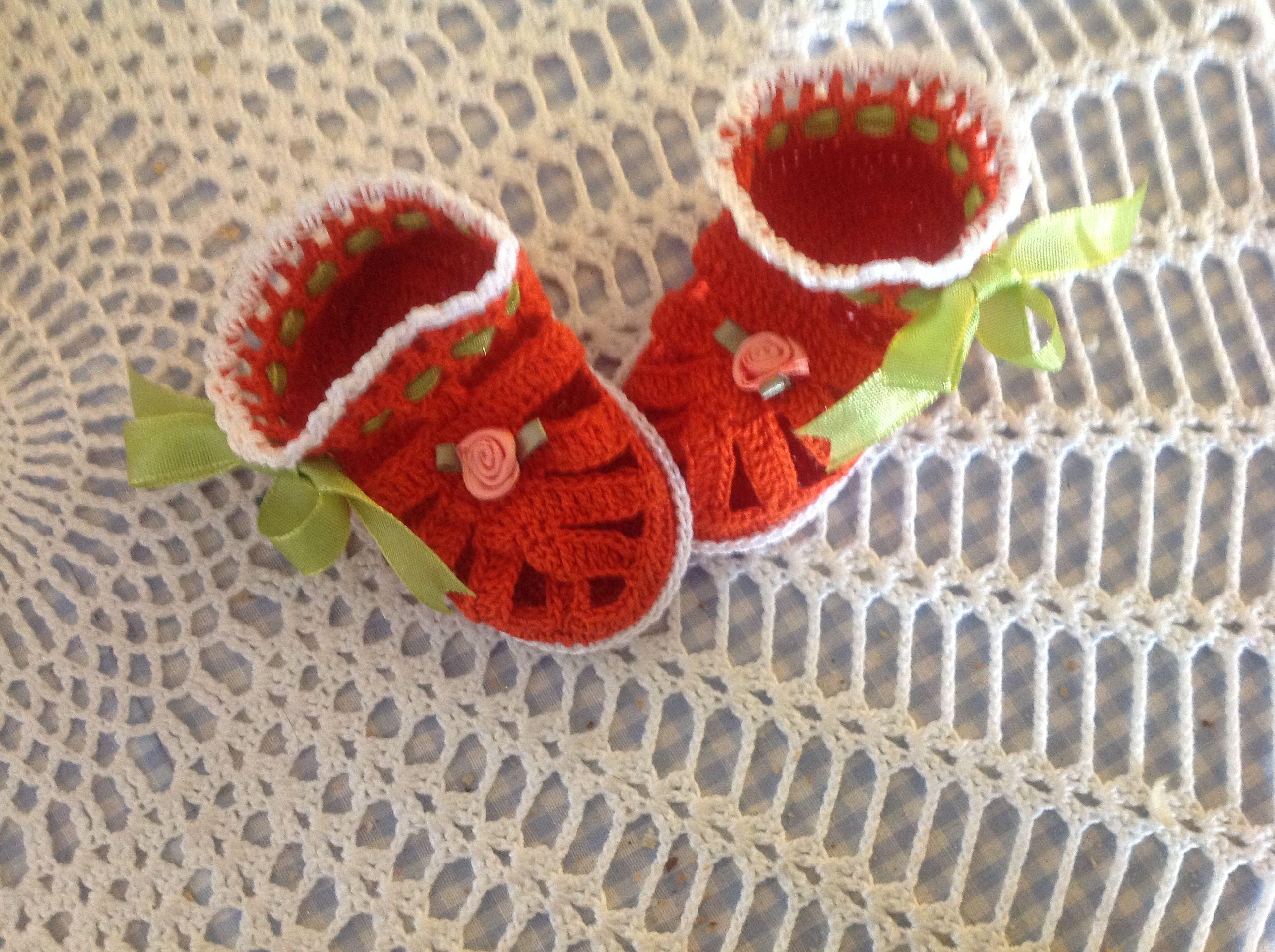 Thread crochet infant sandals