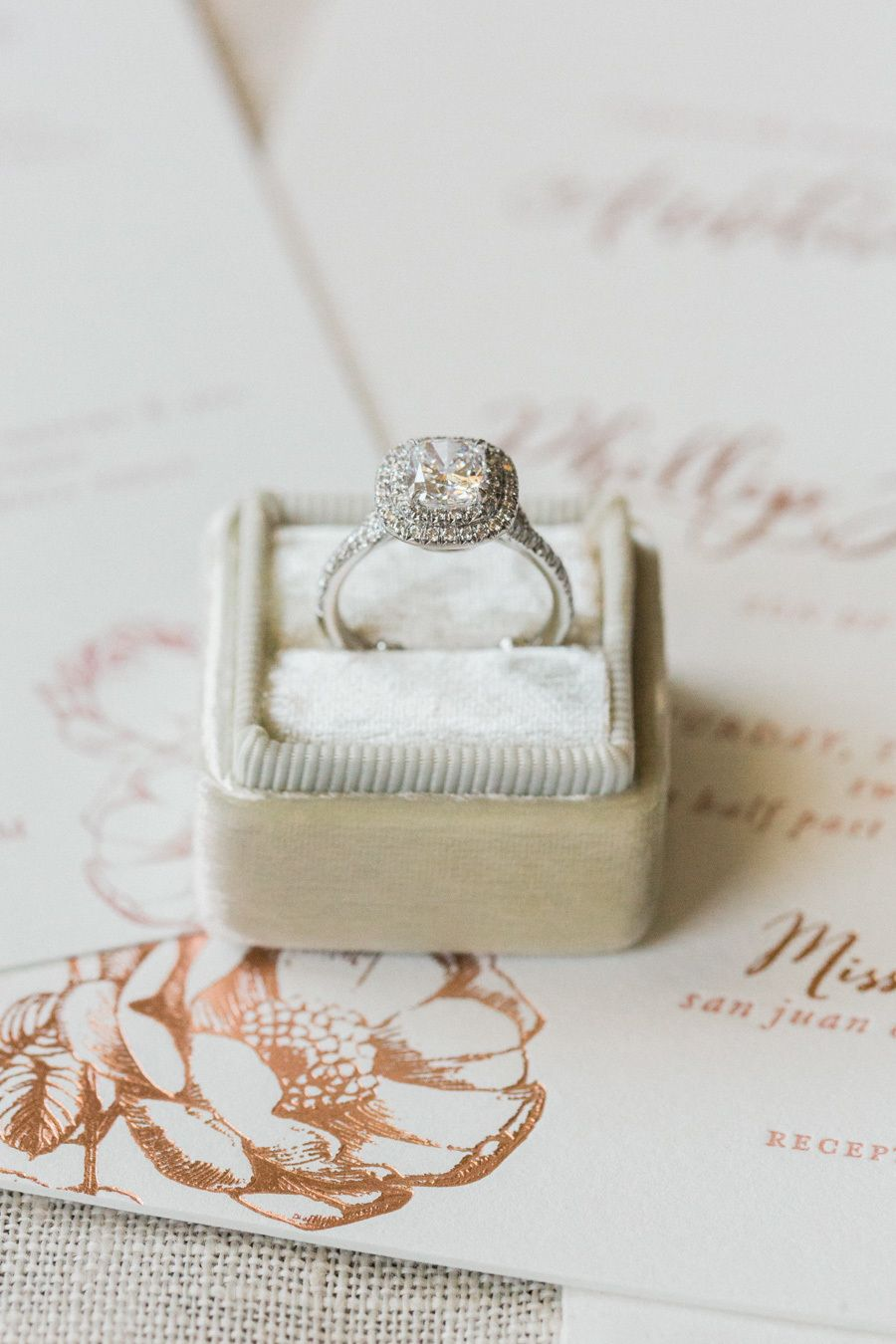 7c778e83d99 Gorgeous diamond engagement ring! Photography   Koman Photography Read More  on SMP  http