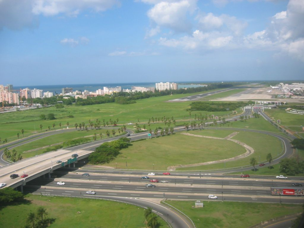 Aeropuerto LMM, San Juan, PR.