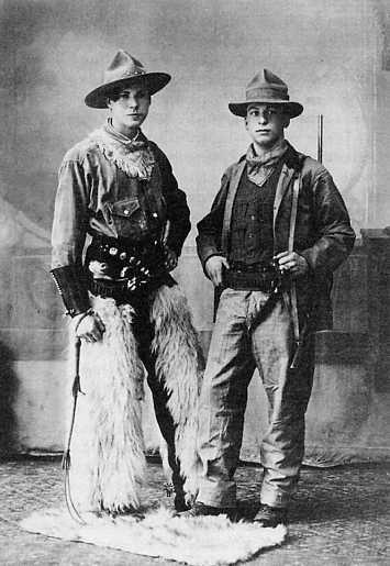 c5df80c0cb58e Zwei Cowboys um 1900 - Originalphotographie)