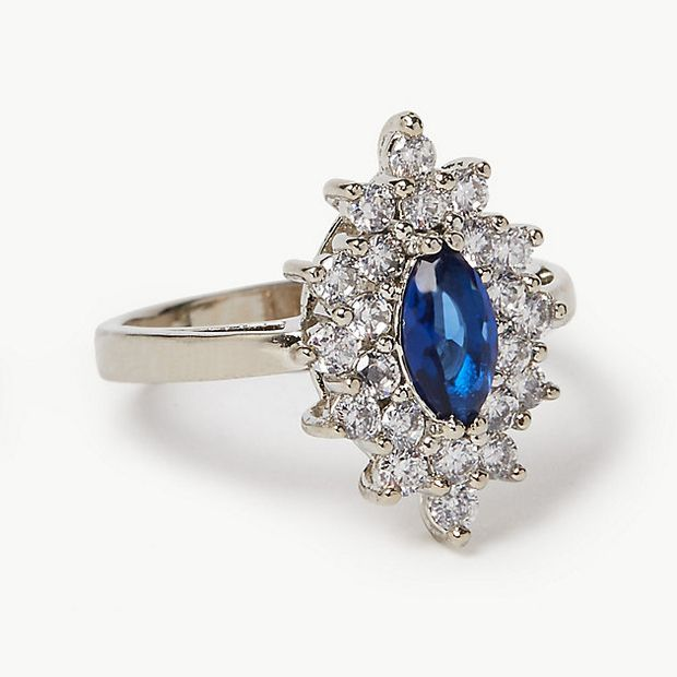 This $45 ring looks just like Kate Middleton's engagement ...