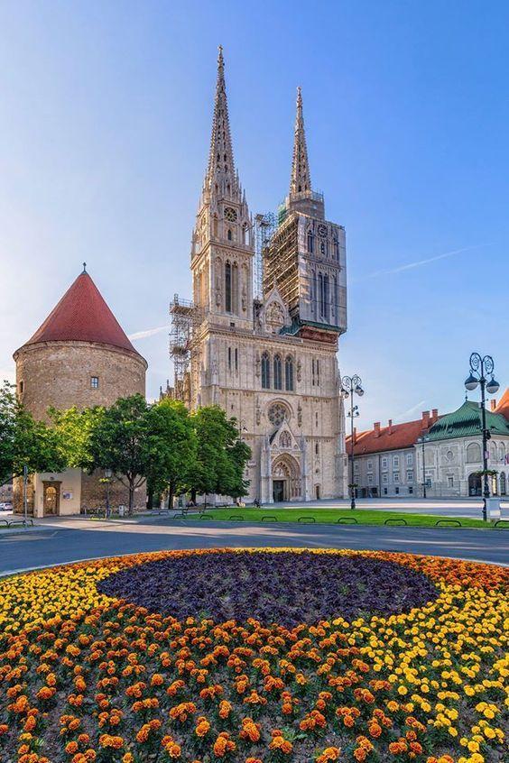 Zagreb, Croatia's capital Croația, Călătorii și Castele