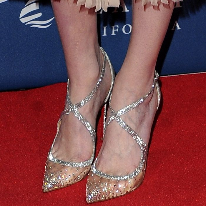 53a2e2b65540 Eleanor Tomlinson shows off her feet in Christian Louboutin s  Twistissima  Strass  pumps