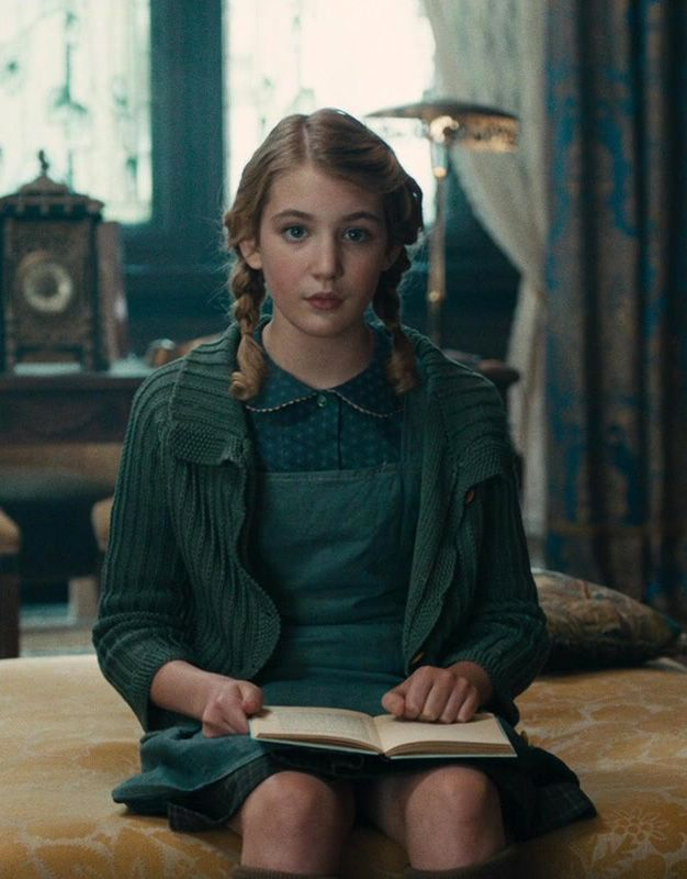 Sophie Nélisse in The Book Thief | The Book Thief ...