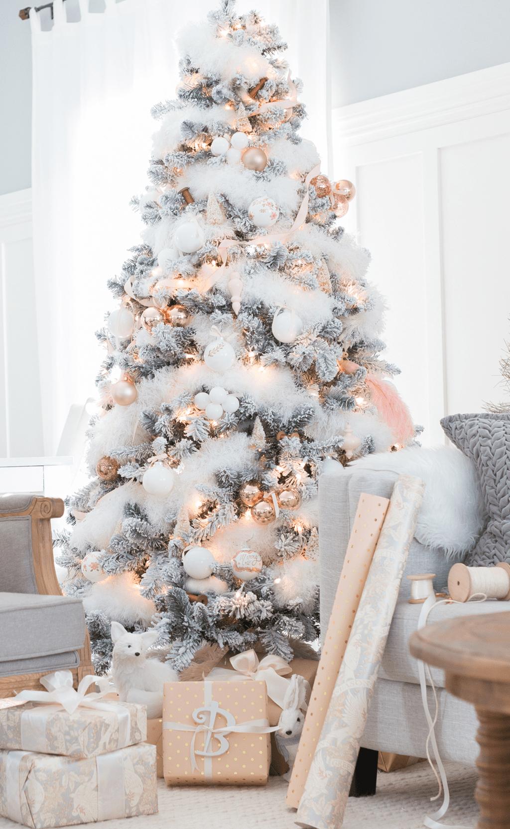 48 Stunning White Christmas Tree Ideas To Decorate Your Interior Pimphomee Amazing Christmas Trees Rose Gold Christmas Tree Christmas Tree Inspiration