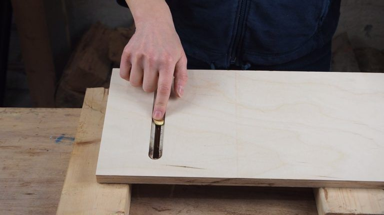 Make A Tapering Jig For The Table Saw Taper Jig Table Saw Table Saw Jigs