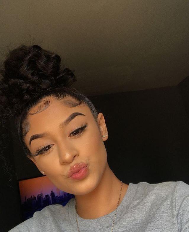 Pin By Naz On Cyƒƒgiyalѕ Baddie Hairstyles Hair Styles Curly Hair Styles