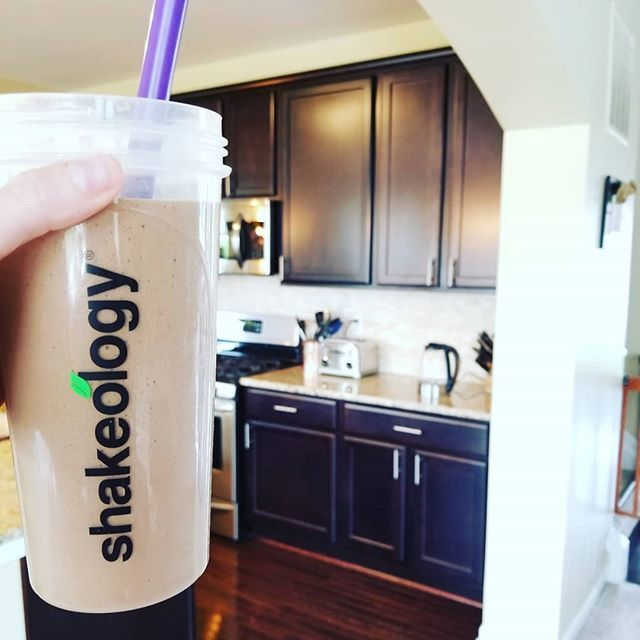 My healthy version of a venti iced mocha using chocolate shakeo!  1 scoop shakeo 1 cup Starbucks cold brew 1/2 cup almond milk Half of a frozen banana