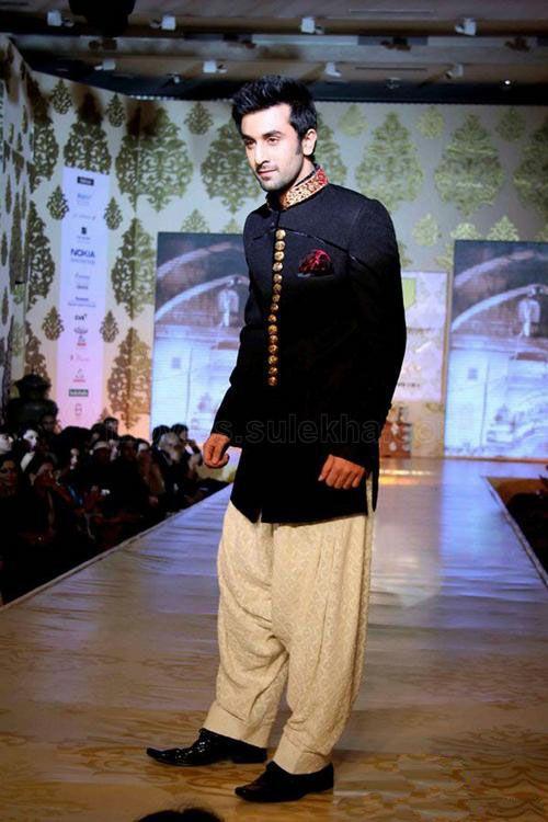 Ranbir Kapoor in Manish Malhotra   Wedding   Pinterest   Ranbir ...