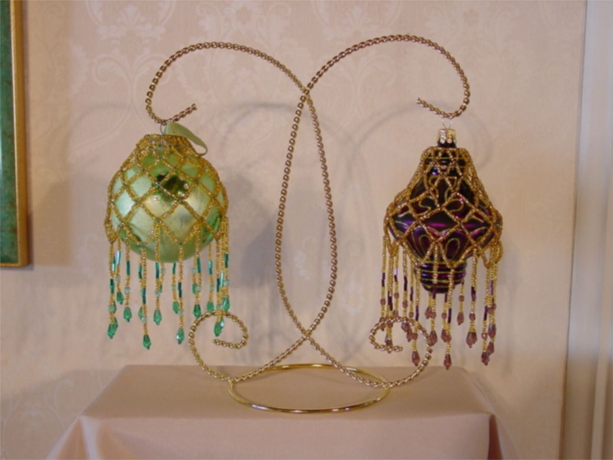 Mae S Beaded Ornament Cover Free Pattern Project Beaded Ornament Covers Beaded Ornaments Beading Patterns Free