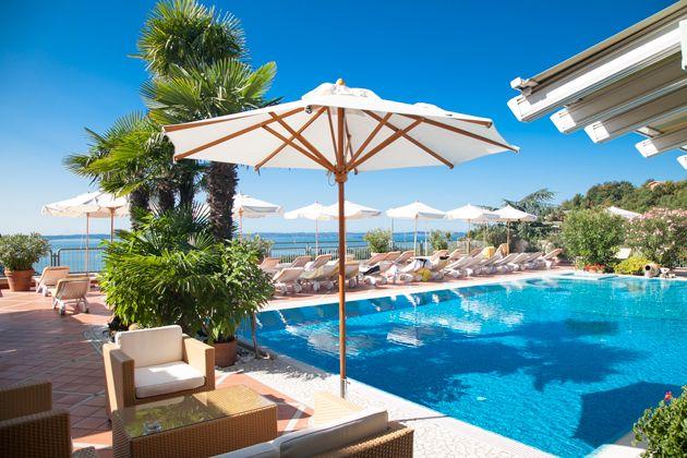 madrigale the panoramic resort garda gardasee italien reise und ferientipps pinterest. Black Bedroom Furniture Sets. Home Design Ideas