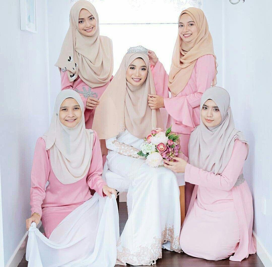 Bride bridesmaid photobyarif hijab pinterest muslim bride bridesmaid photobyarif muslimah wedding dressdress muslimahmuslim ombrellifo Gallery