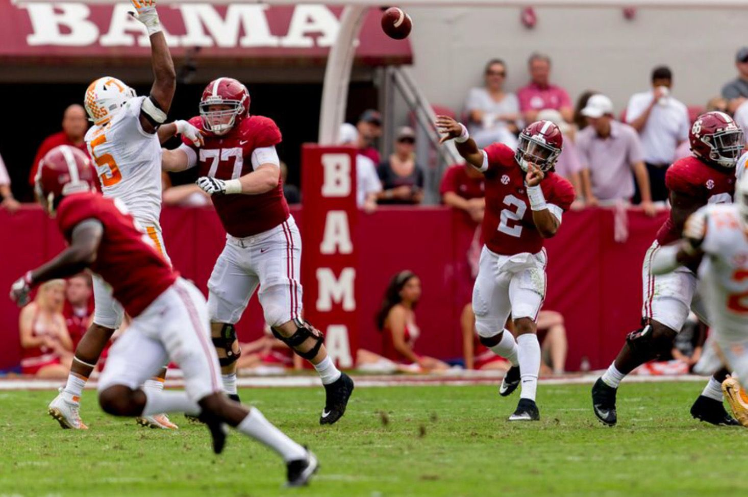 Alabama Quarterback Jalen Hurts 2 Throws To Alabama Wide Receiver Calvin Ridley 3 During The First Half Of The A Alabama Vs Tennessee Game Alabama Football