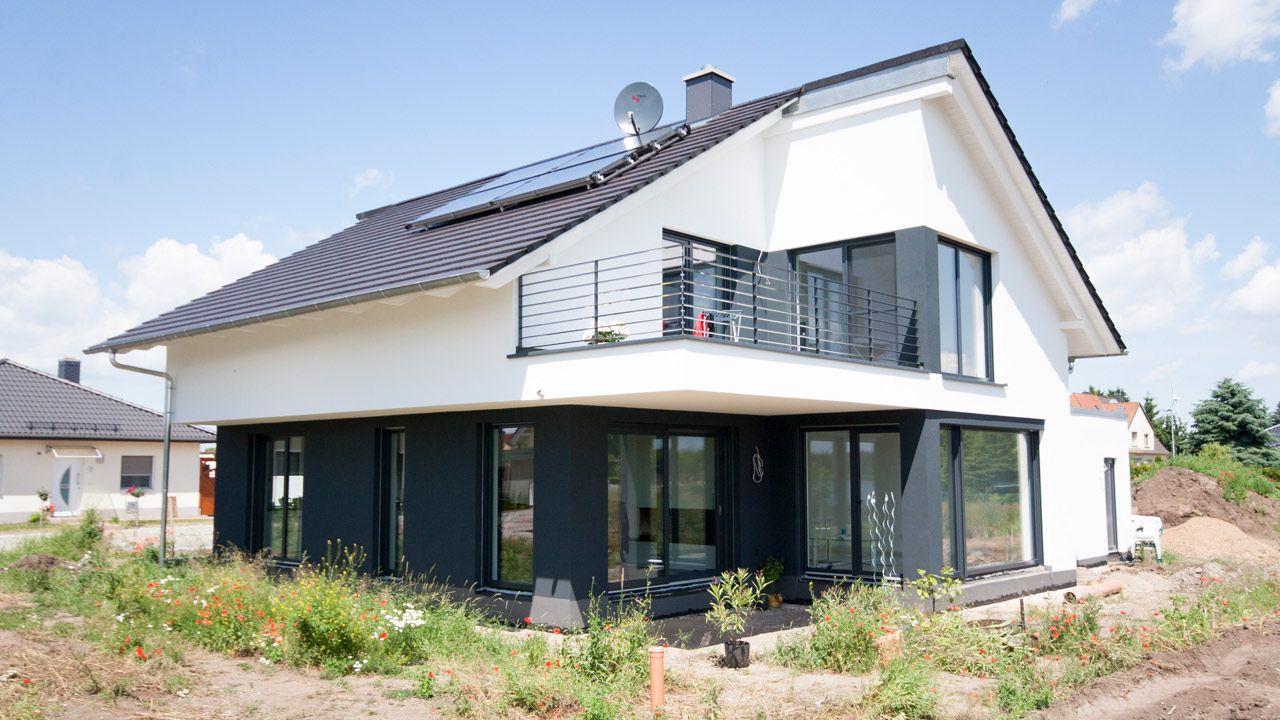 Stadtvilla Satteldach Moderne Architektur Dortmund: Bauhaus Mit Satteldach In Löderburg
