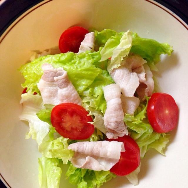 トマトソースパスタのサイドデッシュです♬ - 4件のもぐもぐ - 豚バラ肉のサラダ (o^^o)  ぽん酢でサッパリと頂きます♬ by takakokasaq9B