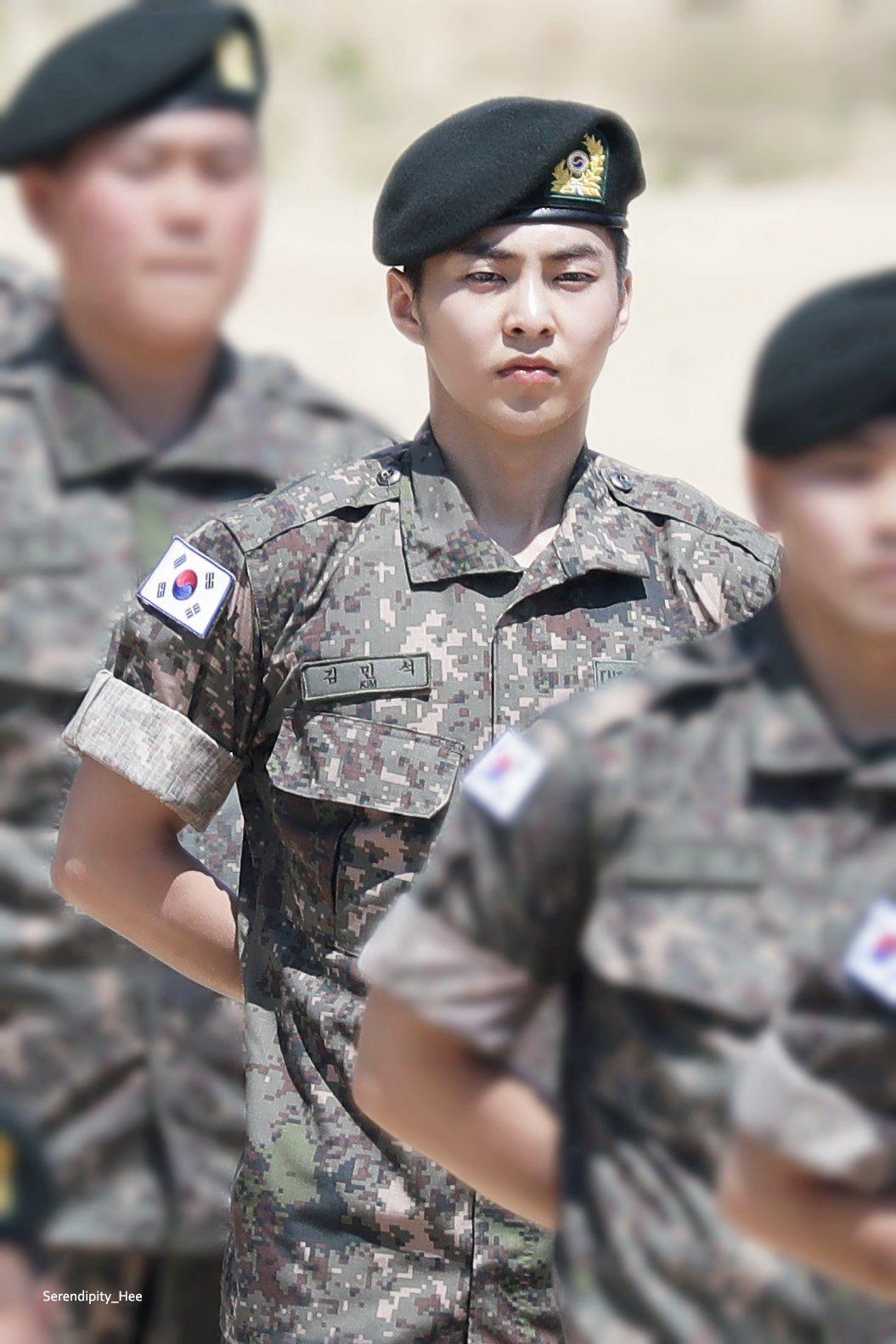 Xiumin Exo Angkatan Darat Chanyeol Baekhyun
