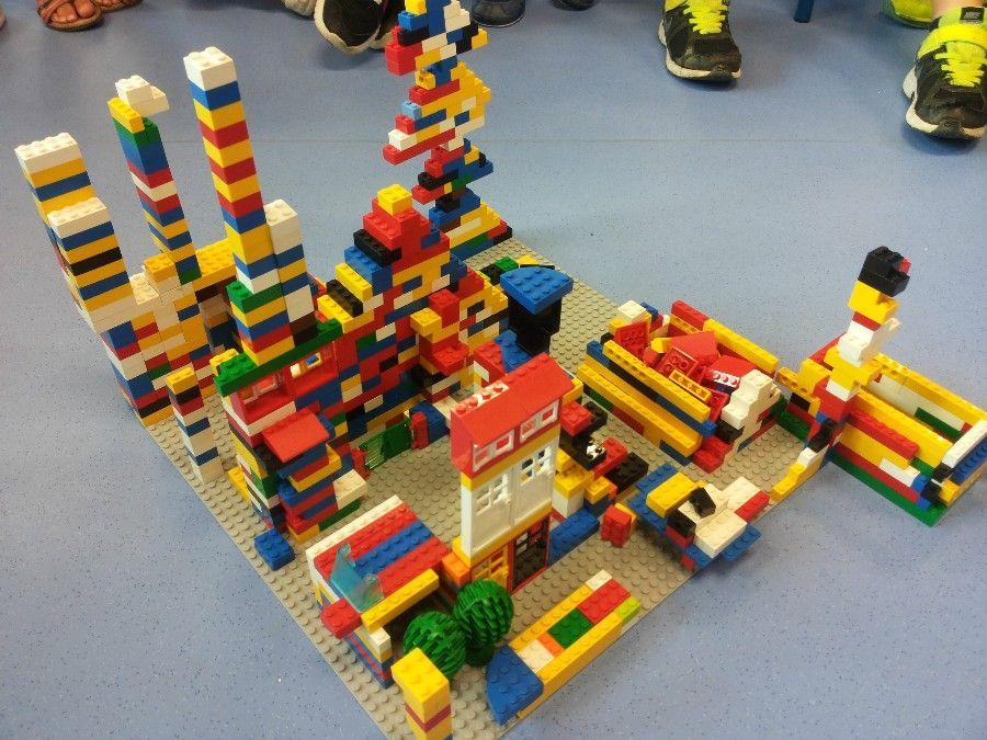 Réaliser des constructions individuelles ou collectives en Légos, classe de MS-GS   Jeux de ...