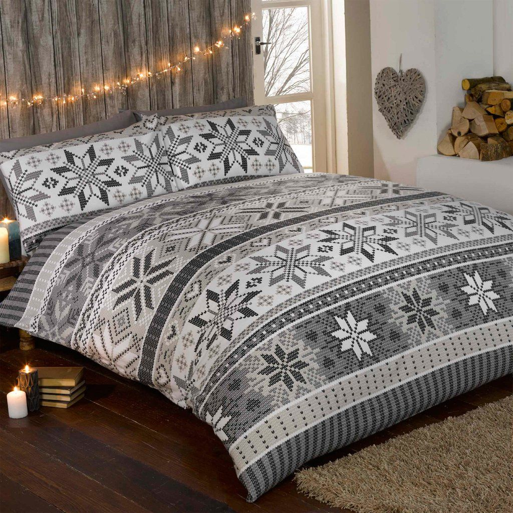 Put A Bit Of Winter Wonderland Into Your Own Bedroom And Get The Holiday Season By Simply Changing Duvet Cover Pillow Case