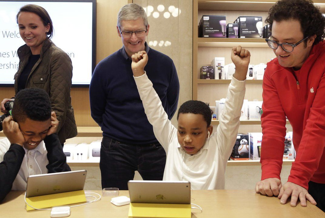 Apple CEO: More computer science and coding education needed | Smithsonian TweenTribune