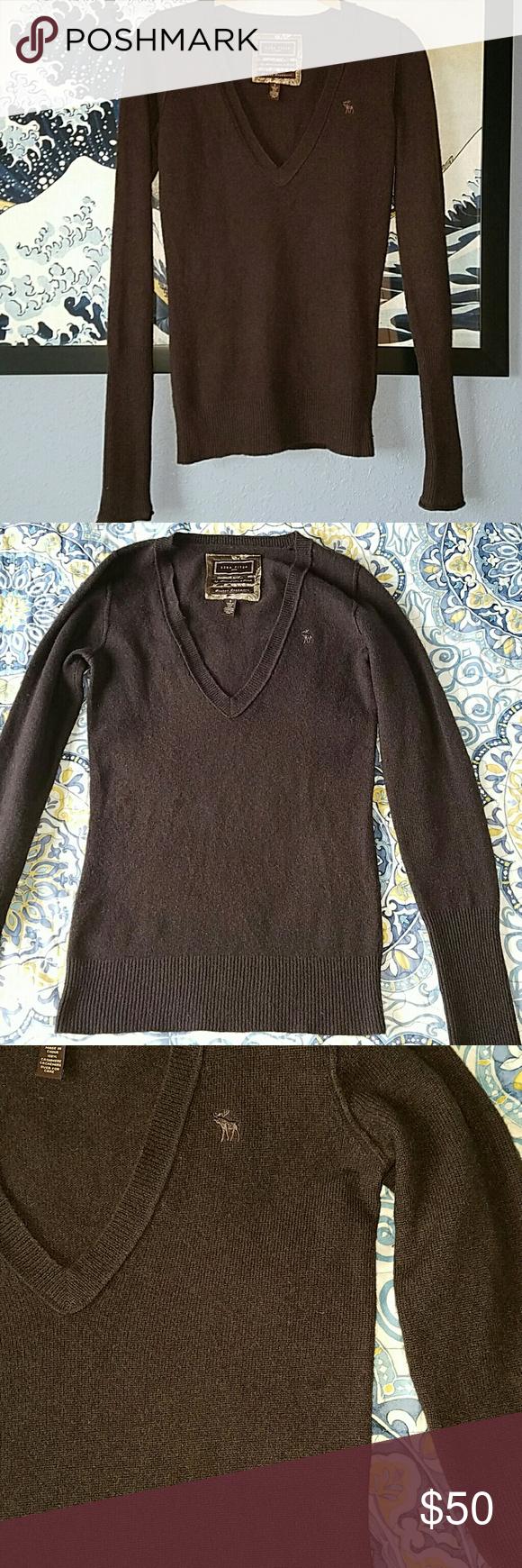 Ezra Fitch Cashmere deep v-neck sweater S | Cashmere, Cashmere ...