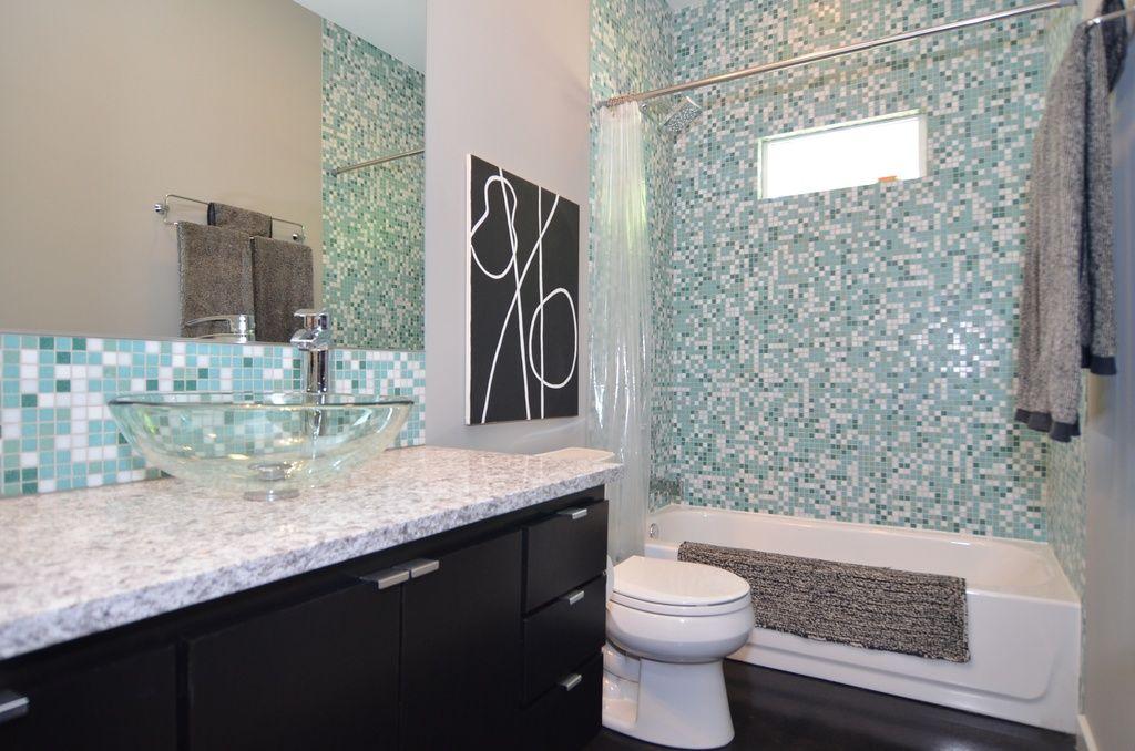 2552 E 16th St, Tulsa, OK 74104 Zillow Bathroom design