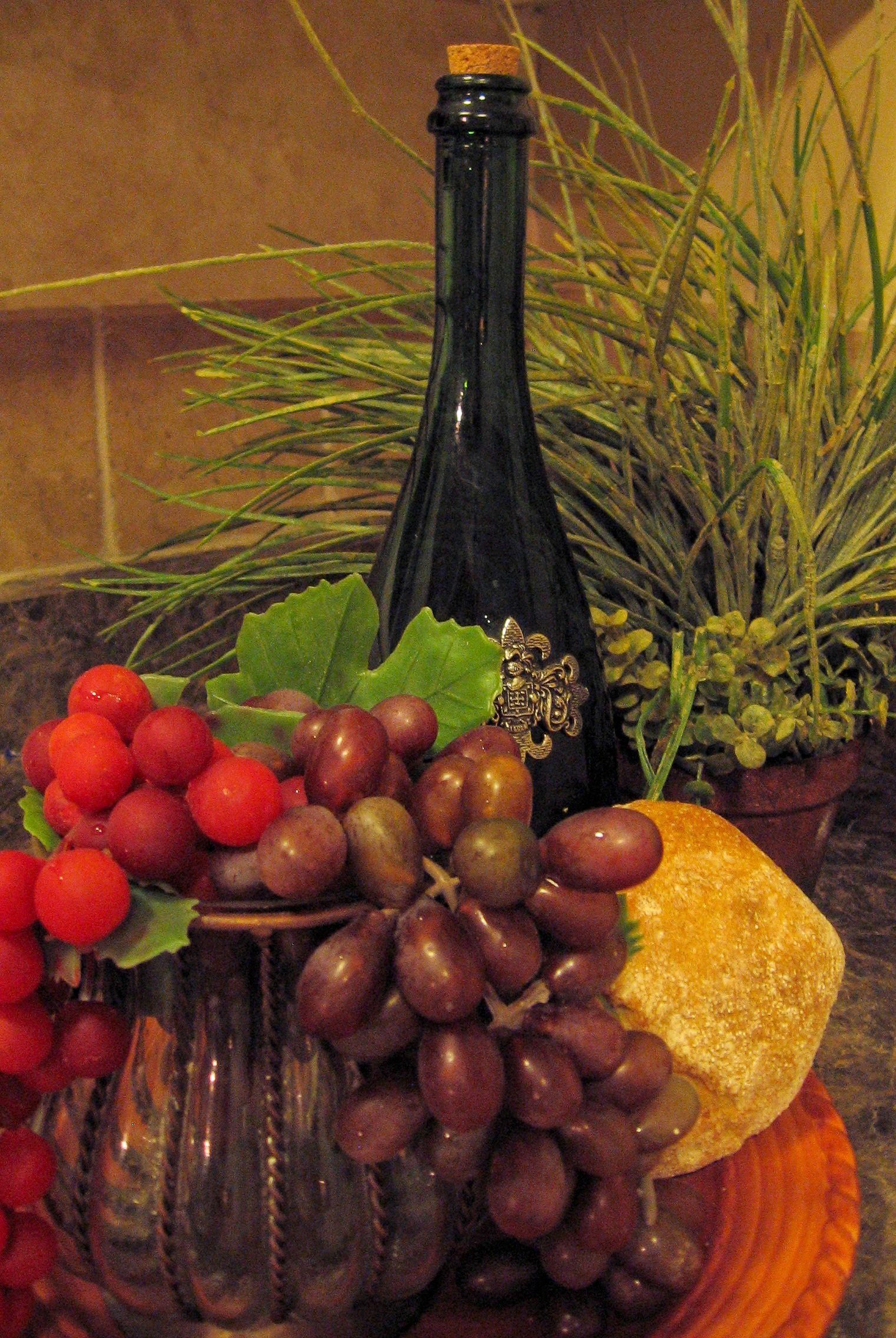 Italian party decorations loan from your library italian for Italia decor