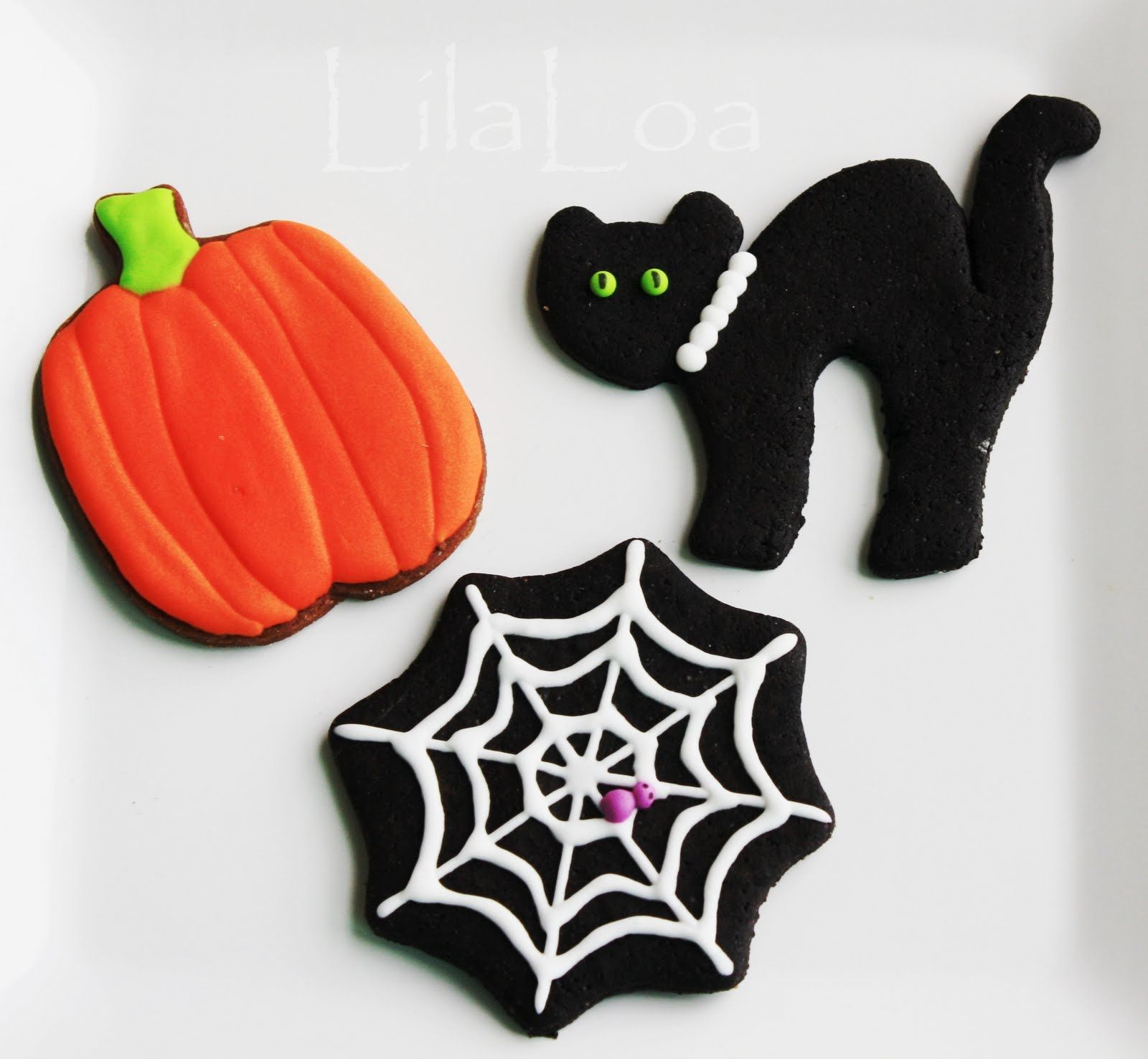 LilaLoa BLACK cookies for Halloween Halloween Cookies Pinterest - Halloween Decorated Cookies