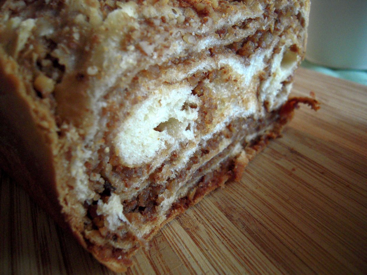 The Daring Baker's October 2011 challenge was Povitica, hosted by Jenni of The Gingered Whisk. Povitica is a traditional Eastern European Dessert Bread that is as lovely to look at as it is to eat!…
