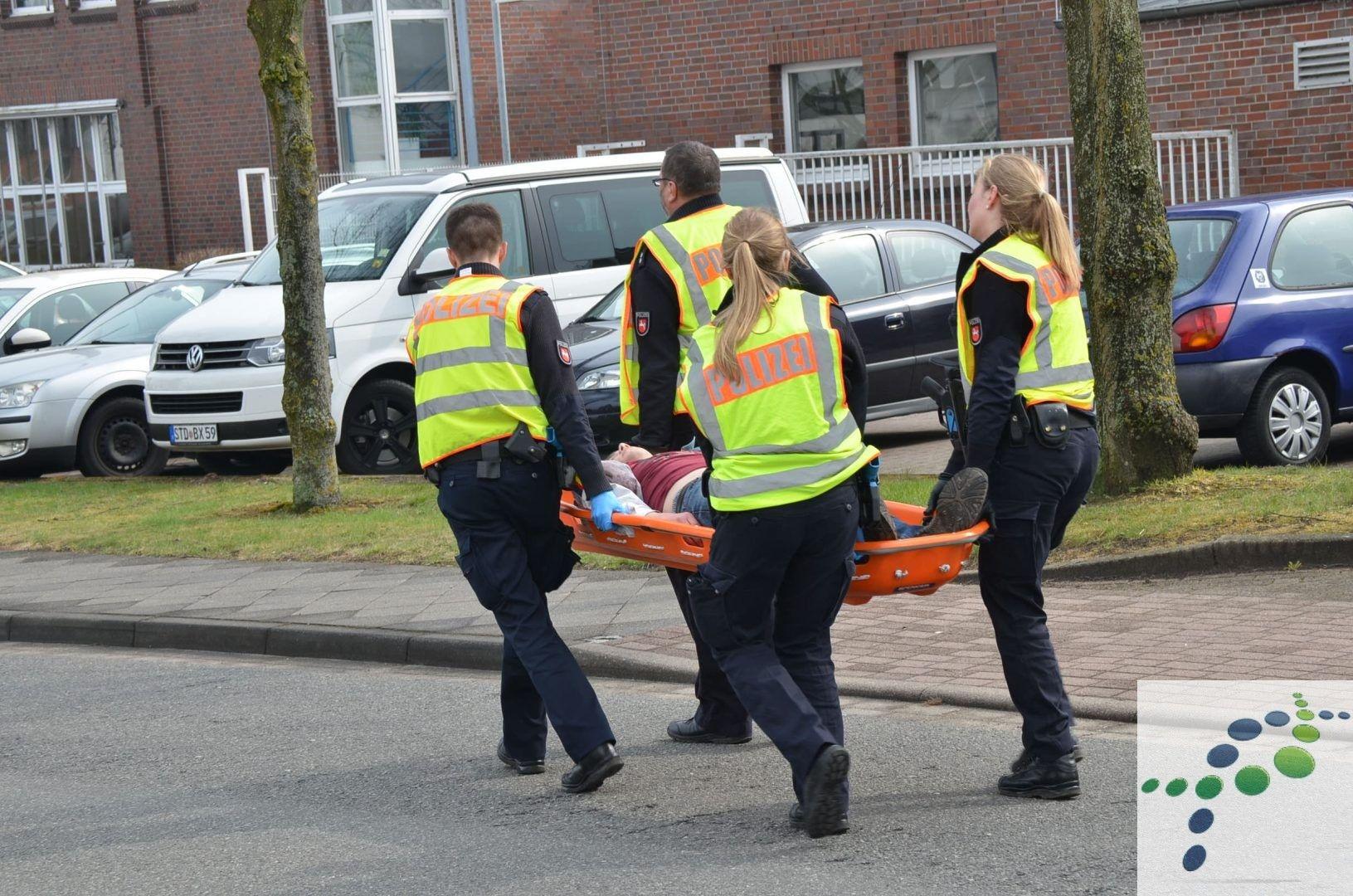 Polizei Und Rettungsdienst Uben Lebensbedrohliche Einsatzlage In