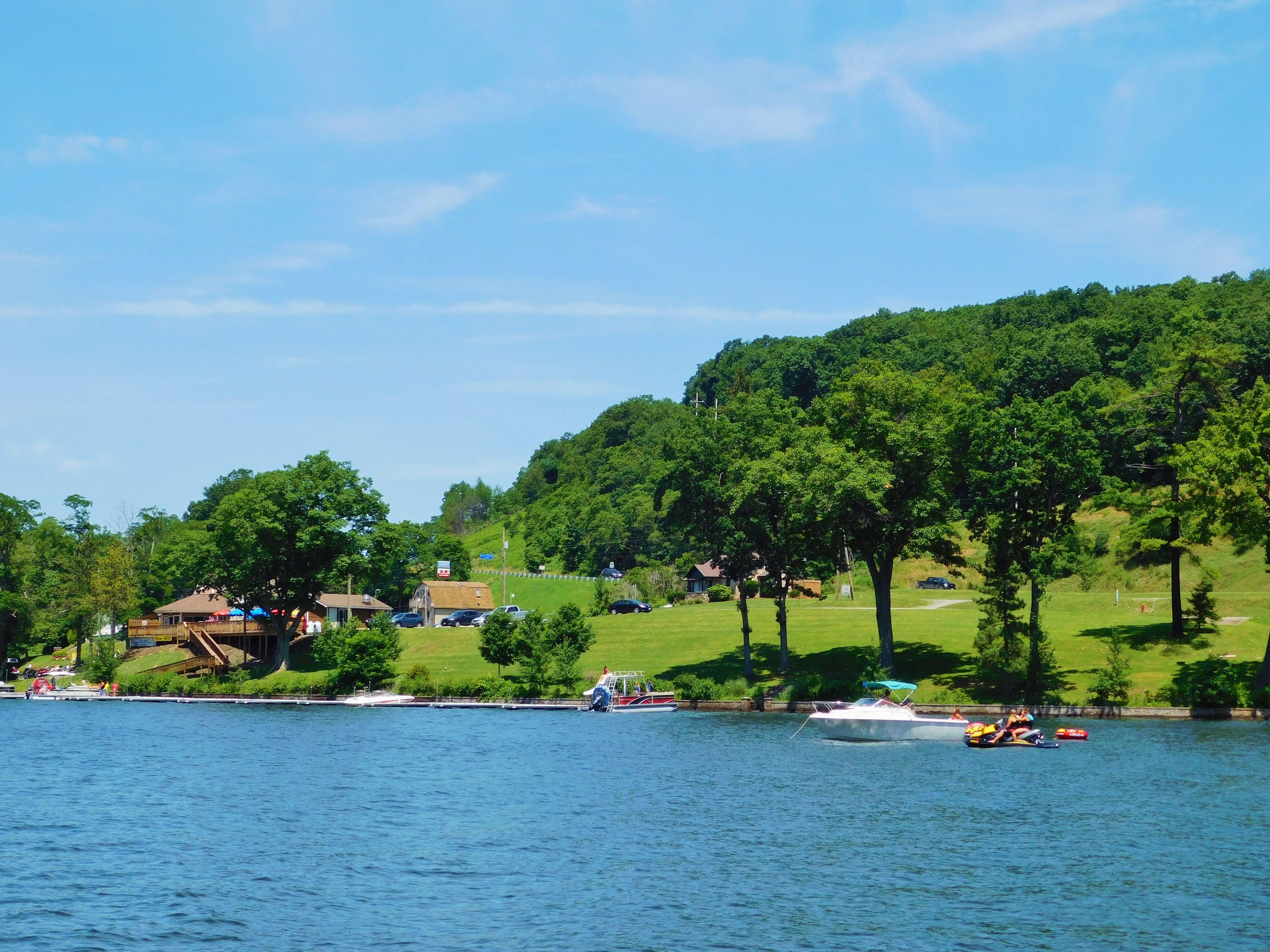 Summer Day Deep Creek Lake Www Deepcreekvacations Com Deep Creek Lake Lake Resort Area