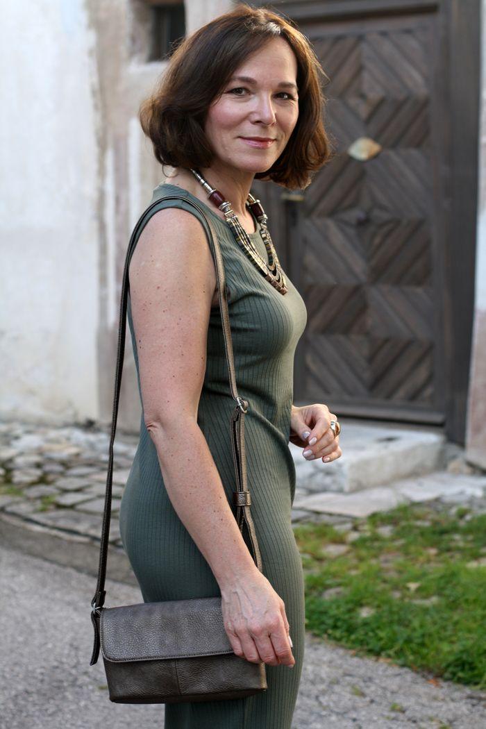 Sommerliche Stretchkleider - figurbetont, bequem und easy ...