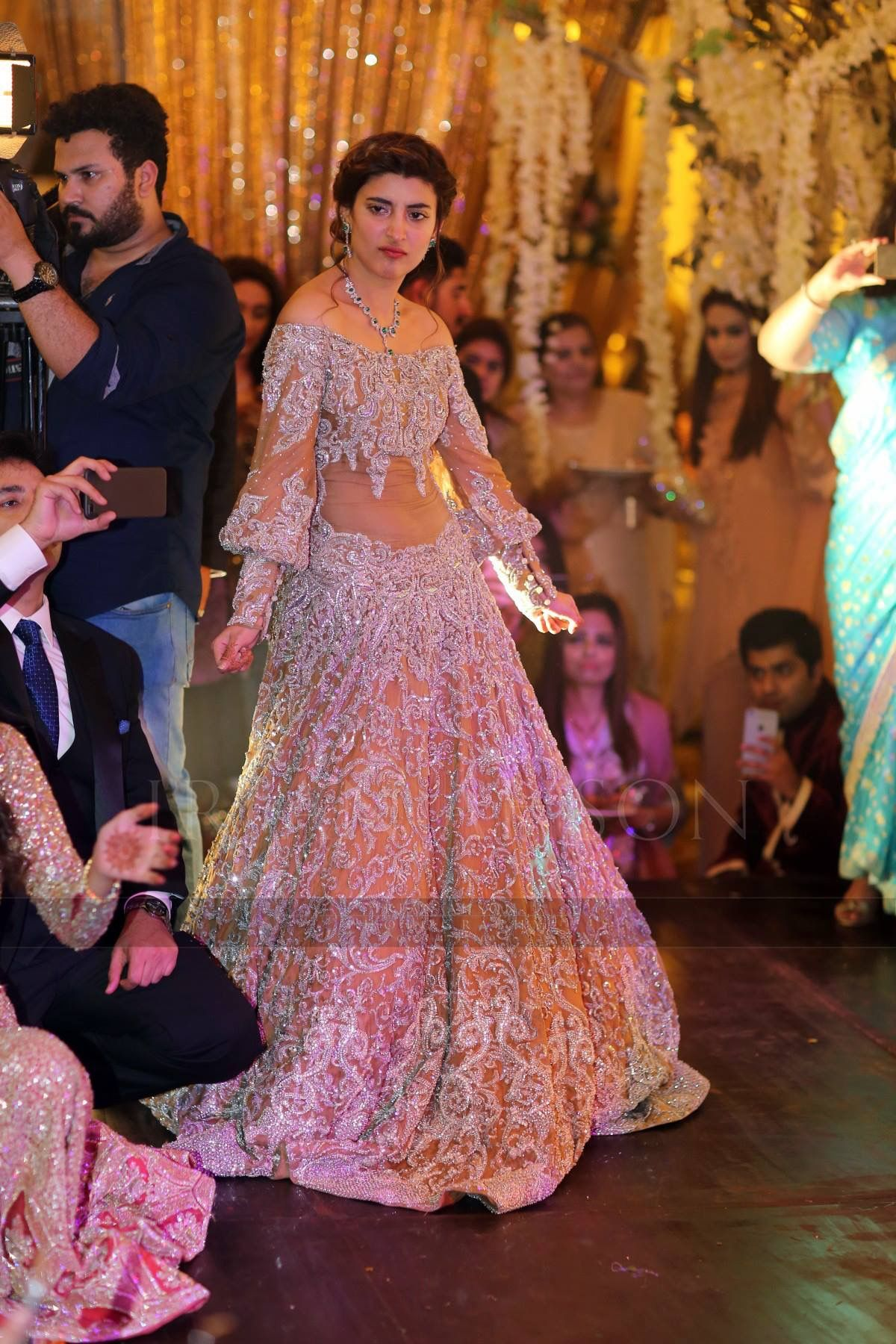Pin de Sara R. en Pakistani Bridal   Pinterest