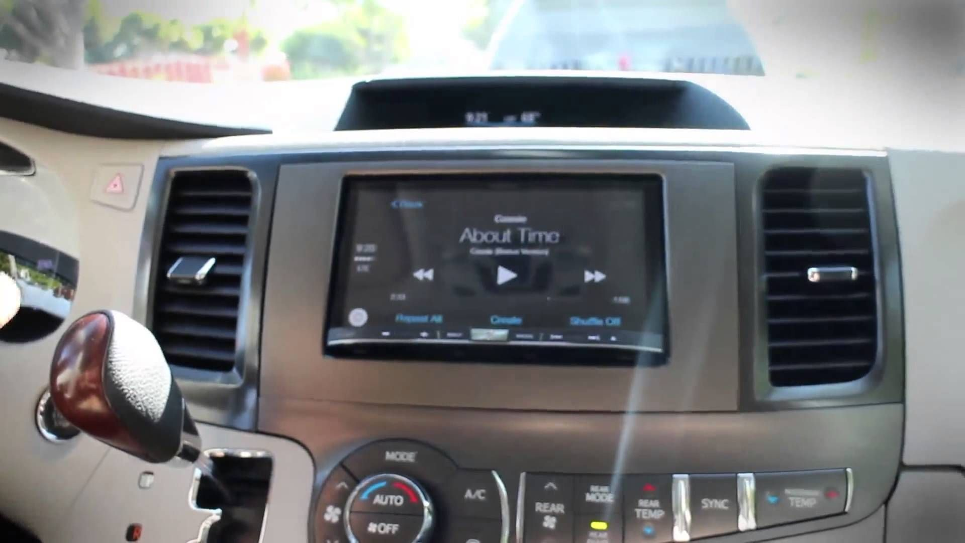 VIDEO UPDATE Apple CarPlay™ Previously, you could