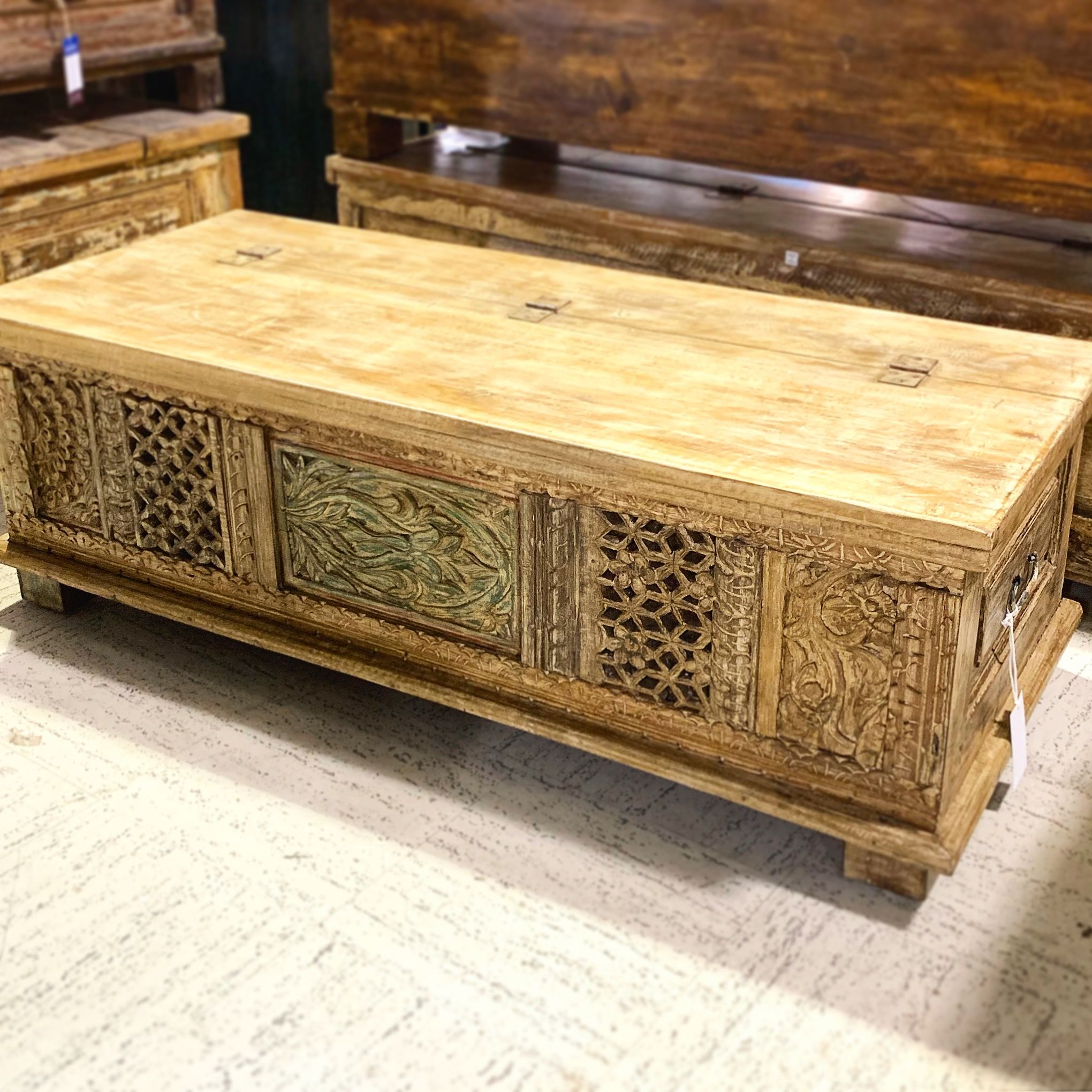 Sold Carved Reclaimed Wood Coffee Table Trunk Coffee Table Wood Reclaimed Wood Coffee Table Rustic Coffe Table [ 2040 x 2040 Pixel ]