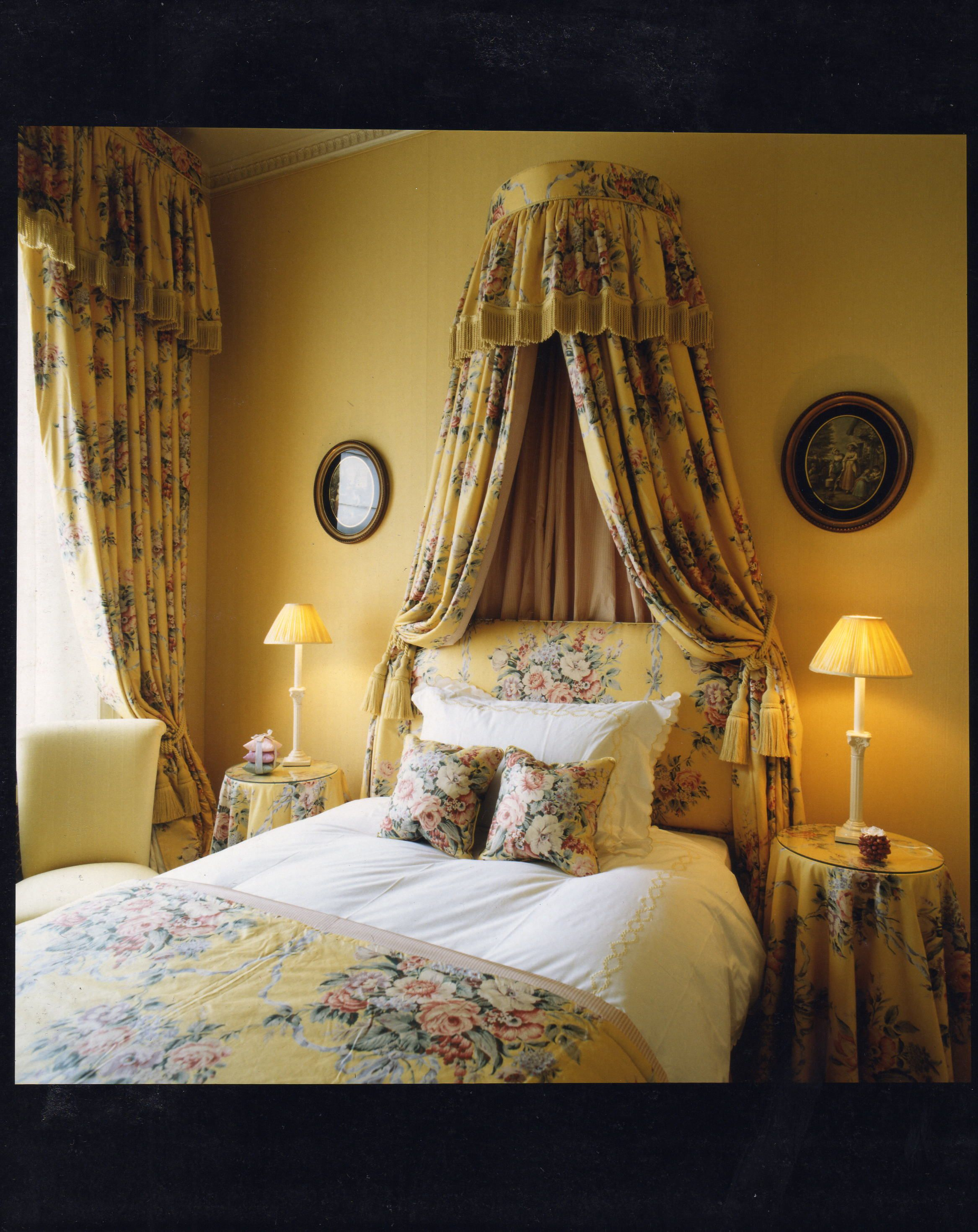 decorations wells with dainty canopies drape bed curtain full furniture inspirational home as over together then curtains make coronet s size to canopy grande a and how for rc bedroom drapes