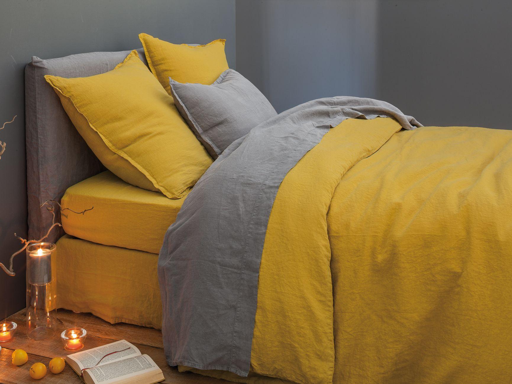 linge de lit housse de couette en lin lav safran 100 lin lav sommeil lit douceur. Black Bedroom Furniture Sets. Home Design Ideas