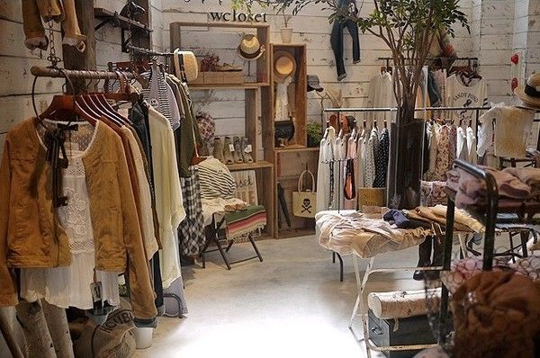 Small Shop Full Of Mori Kei Clothes Vintage Clothes Shop Clothing Store Design Clothing Boutique Interior