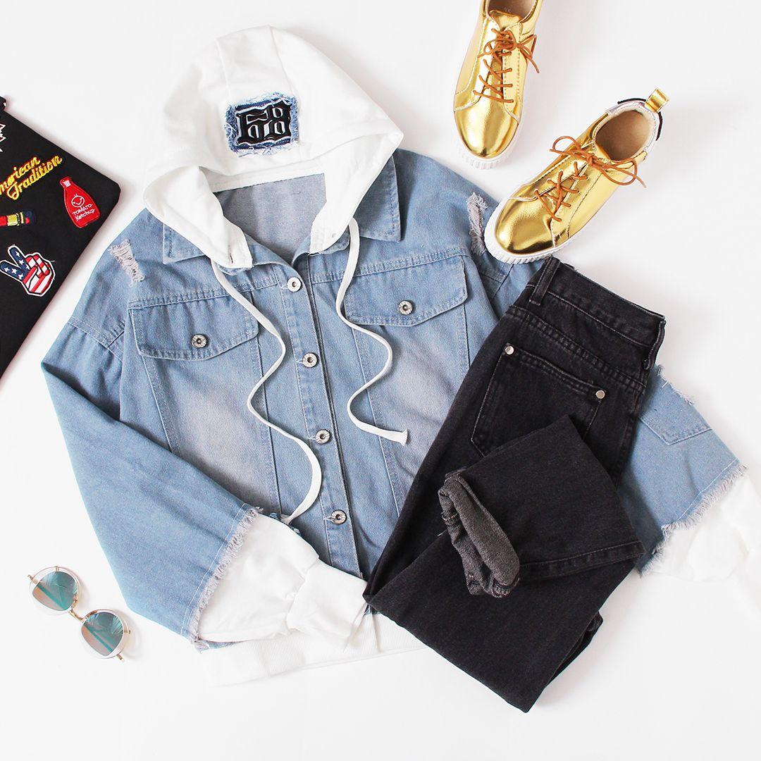 Veste en jean à capuche contrastée 2 en 1 avec bordure effilochée   – Combine