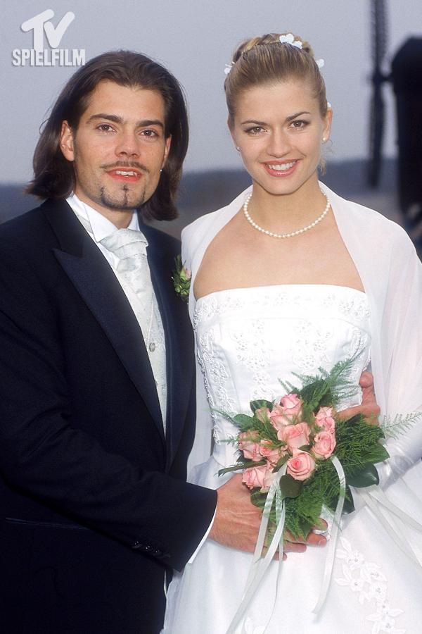 Gzsz Die Schonsten Hochzeiten Der Daily Soap Von 1994 Bis 2018 Kleid Hochzeit Brautjungfernkleid Gzsz