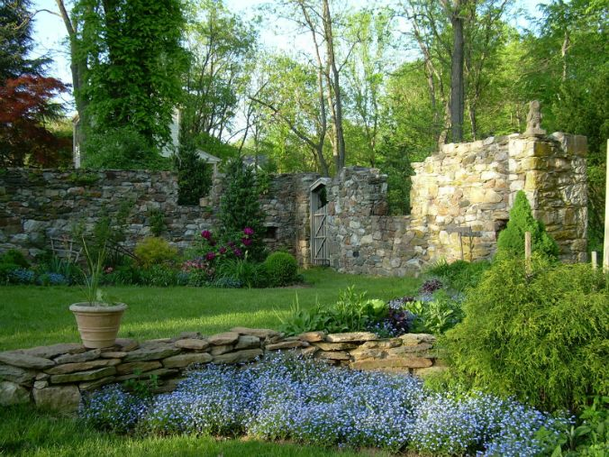 Old Stone Ruins Bank Barn Ruins Garden Inside Old Stone Ruins Stone Landscaping Brick Wall Gardens Cottage Garden