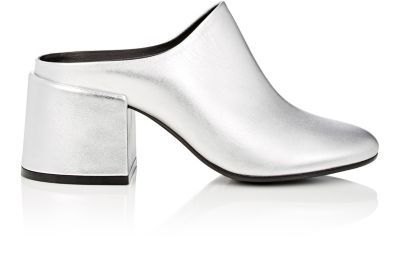 MAISON MARTIN MARGIELA Chunky-Heel Leather Mules. #maisonmartinmargiela #shoes #sandals