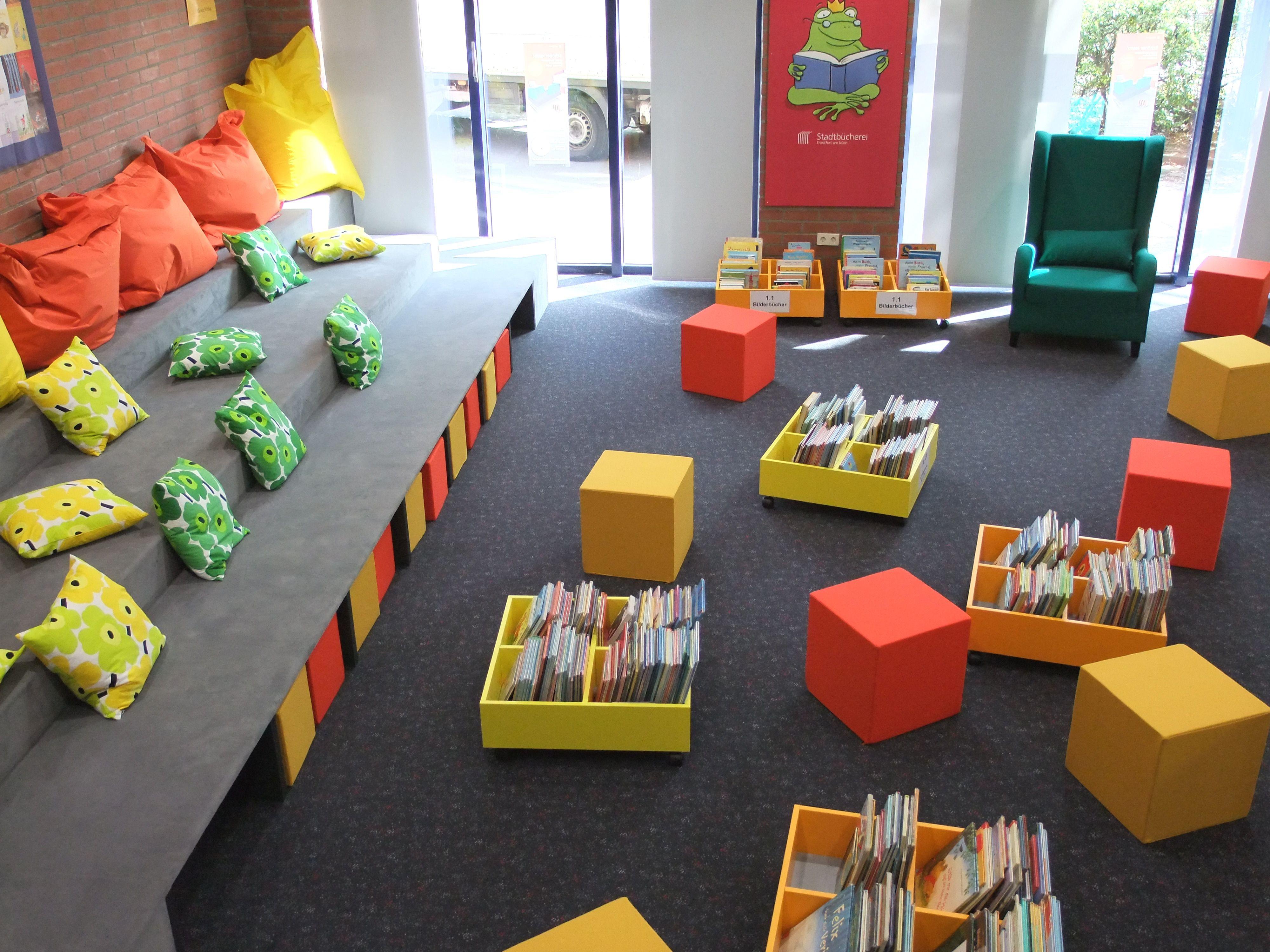 Leselandschaft in der zentralen kinder und for Raumgestaltung und innenarchitektur
